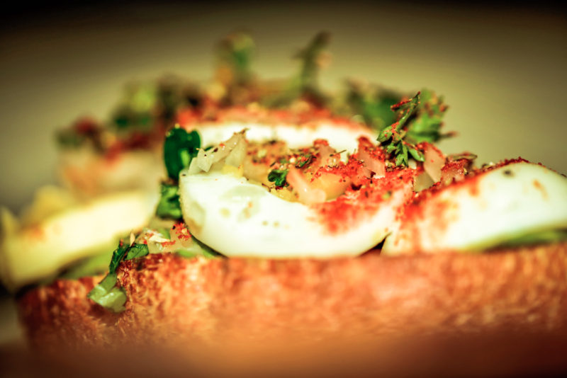 Free picture of an egg, cilantro and avocado sandwich