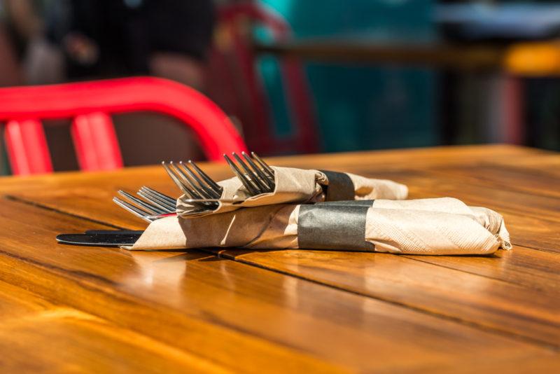 Silverware Napkin Roll-Ups : Fork & Knife