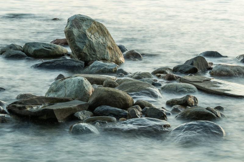 Ocean Waves & Rocks Landscape
