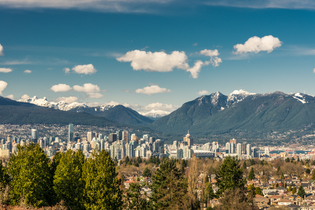vancouver downtown and local mountains