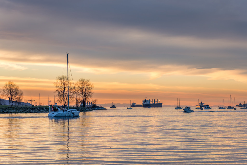 Free picture of a sunset in Vancouver, English Bay.