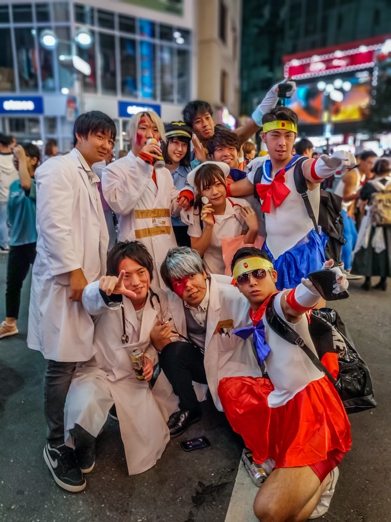 Doctors and anime lovers together in Halloween Costumes.