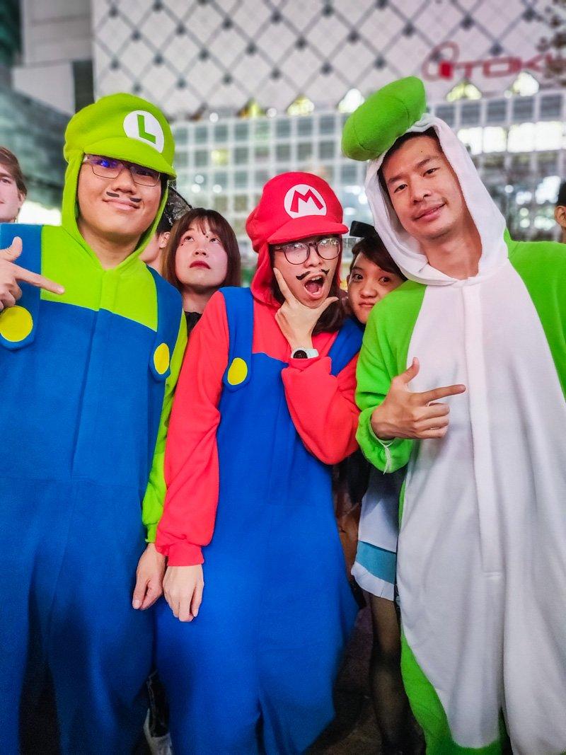 Halloween Costumes of Mario Bros : Luigi, Mario & Yoshi