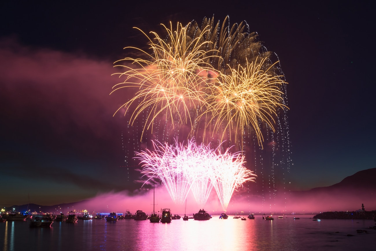 An Amazing Fireworks by Team Japan (winner) During Honda Celebration of Light in Vancouver, Canada (2017)